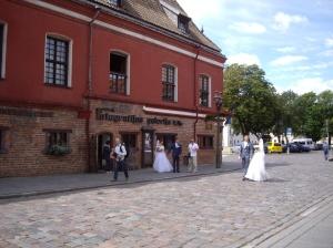 Kaunas: jeden Samstag Hochzeiten vom Fließband